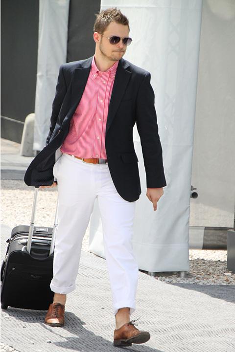 ピッティ2010年6月スナップ 足元ロールアップのデキビジスタイル